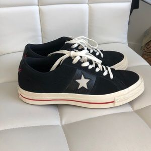 NWOT Suede Converse size 7,5